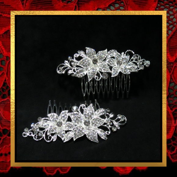 Accessories - New Pair of Rhinestone Flower Hair Combs   #017